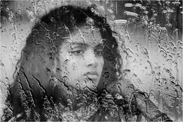 01 à travers la vitre  Guy Dauvergne